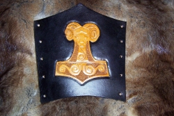 Thors Hammer ( mit Widderkopf)