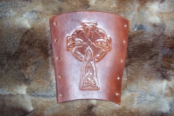 Armschutz - Celtic Cross
