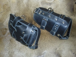Fuß - Hängefesseln aus Leder nach Maß ( abschließbar )